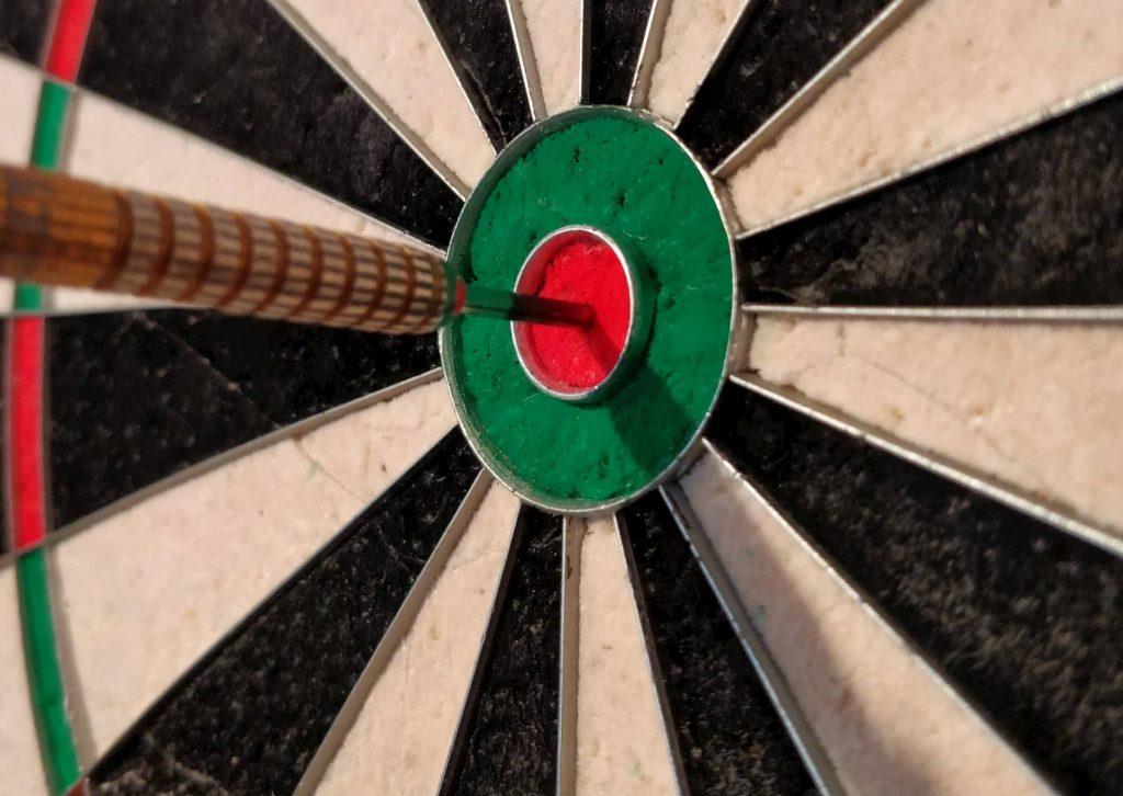 Mein-Darts. Dart im Bullseye